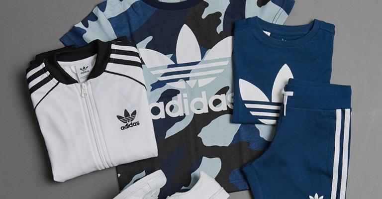05337078 Køb Adidas til piger og drenge her // Gode tilbud // Stort udvalg