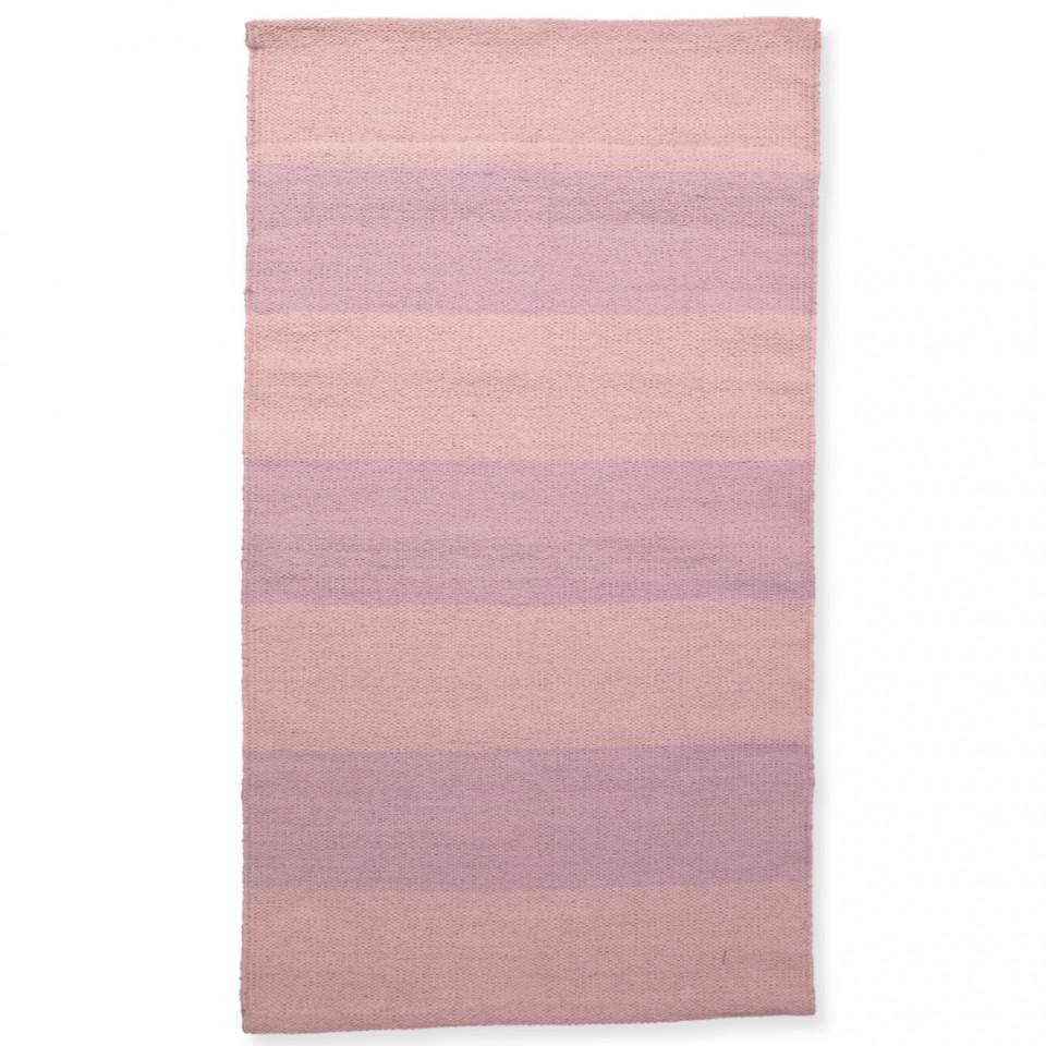 Rosa gulvtæppe