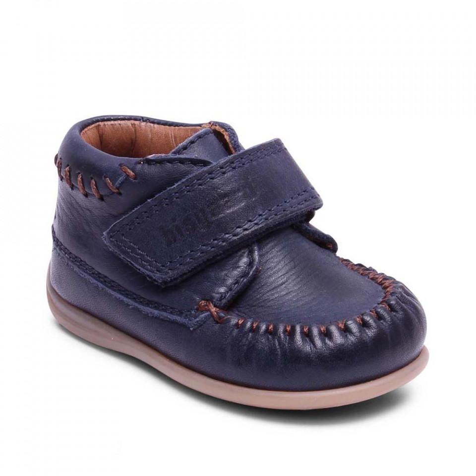 Navy sko