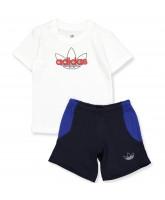 Hvid t-shirt og shorts sæt